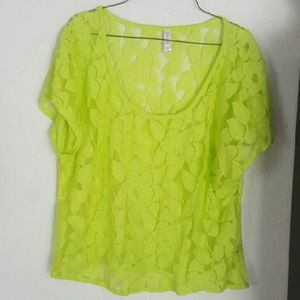 ⬇️⬇️ Lime Green Short Sleeve Lace Top X-LARGE